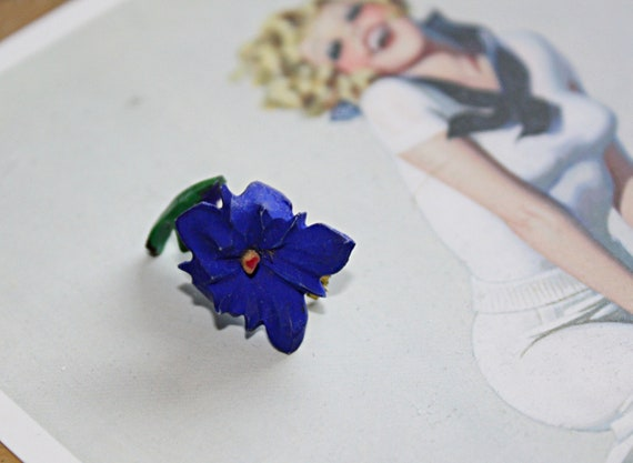 1940s Small Austrian Flower Brooch