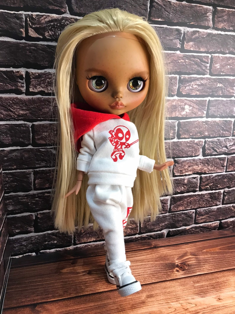 Hoodie with Deadpool and pants for blythe doll