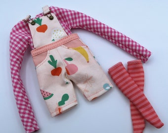 Short dungarees, shirt and socks for Blythe dolls