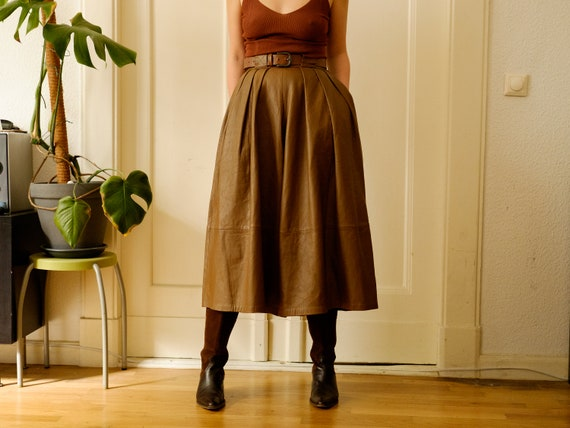 Vintage leather trousers / Brown culotte pants / W