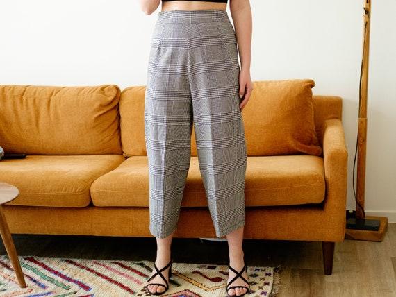 Vintage culottes / Black and white pants / 3/4 pa… - image 1