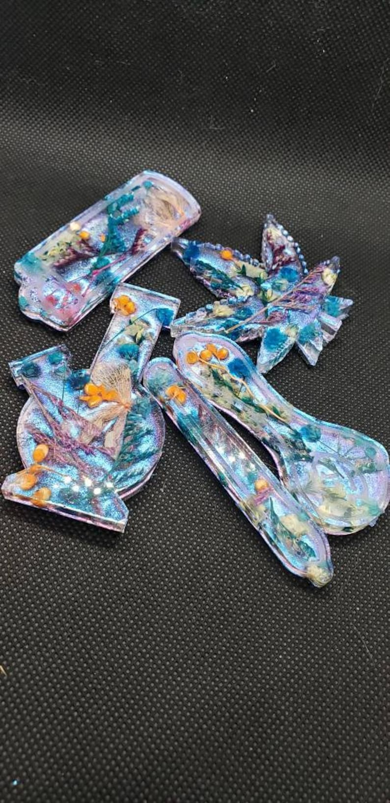 Set 420 floral chameleon shift pendants