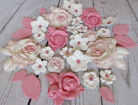 X50 White flowers with pink pearl centre edible cake//cupcake decorations