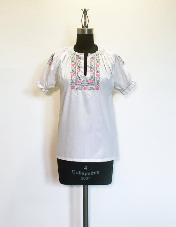 Vintage Cotton Blouse with Floral Embroidery and S
