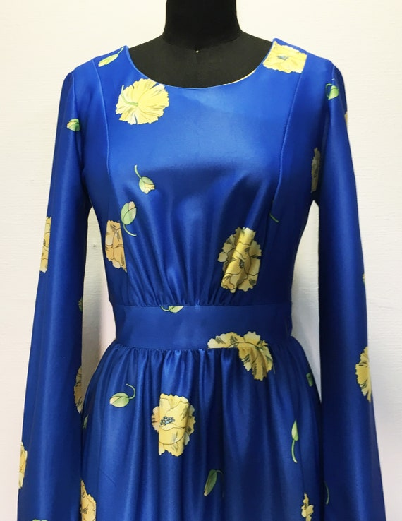 Vintage Bright Blue Maxi Dress with Yellow Flowers - image 2