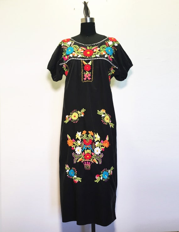 Vintage Bright Floral Embroidery Cotton Dress