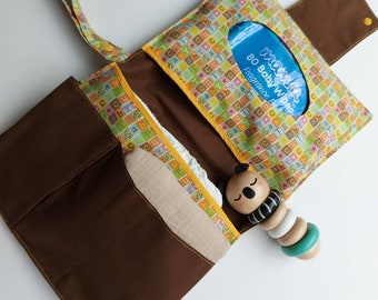 Gender neutral nappy wallet. Babyshower gift