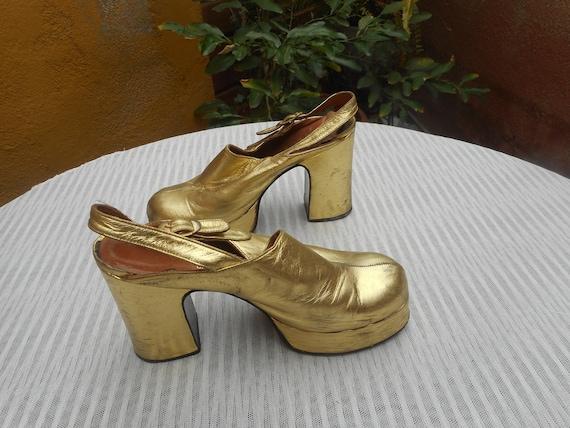 Vintage 1970s Gold Platform Leather Heels Size US