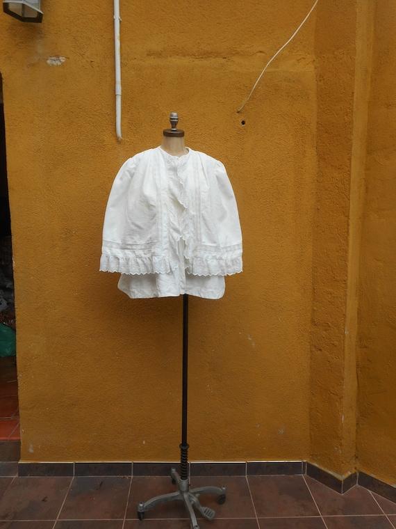 Antique White Victorian Lace Cape Cloak with Beaut
