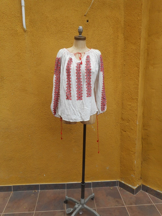 Vintage 1930s Hand Embroidered Long Sleeved Red an
