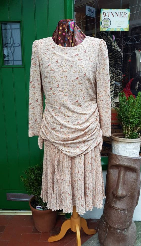 Vintage 1930s 40s 50s style 1980s made flapper Lin