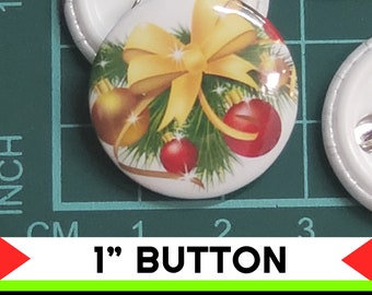Christmas Wreath 1 inch buttons. Pin back button