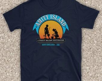 Reality Glitch Women/'s Amity Island Fitted T-Shirt