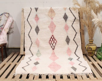 White and Pink Recycled Coton Boucherouite Rug, Colorful Moroccan Rug, Handmade Rug, Cotton Rug, Boucherouite Rug, Recycled Cotton Rug