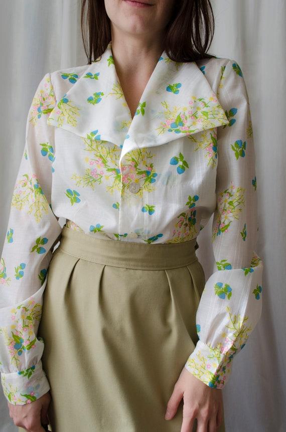 70s white floral blouse | Vintage big collar blous