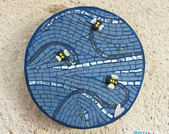 Bee mosaic art, mixed media, handmade mosaic decor, bee wall hanging, stylised bee wall art, bee art, blue and yellow art panel, blue art
