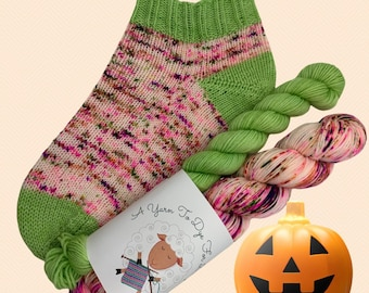 Hand dyed yarn, Sock Set, Halloween colors, 'Hey Dude It's Halloween', 50 grams and matching 20 gram mini, fingering weight