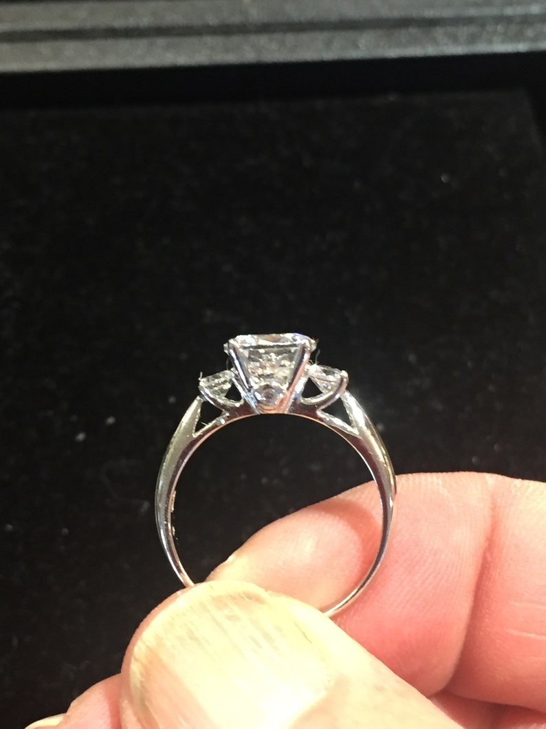 2 carat 8mm Round Brilliant Cut Cubic Zircon set in 925 Sterling Engagement Ring