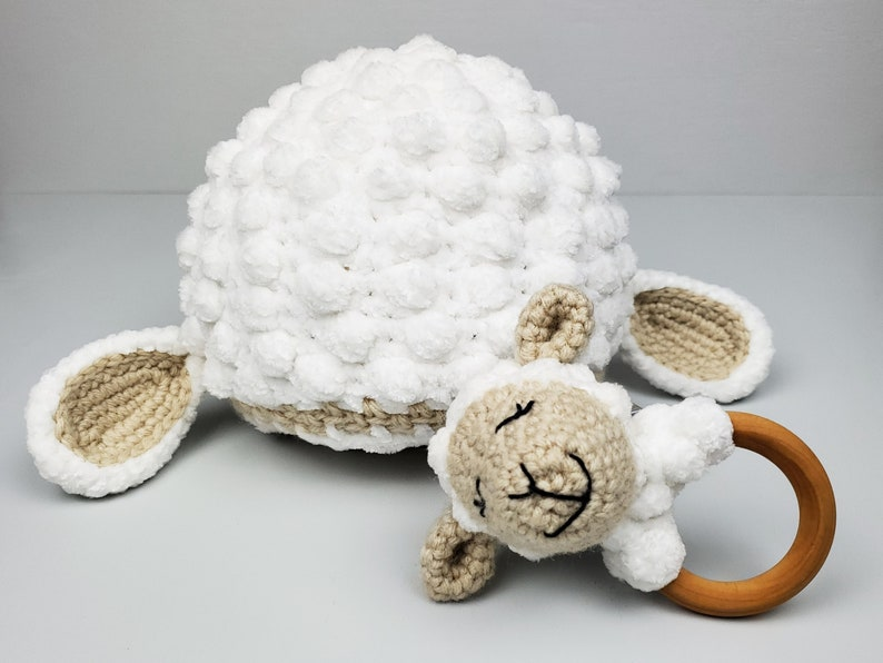 Baby Sheep Hat and Rattle / Crochet Lamb Baby Rattle Toy
