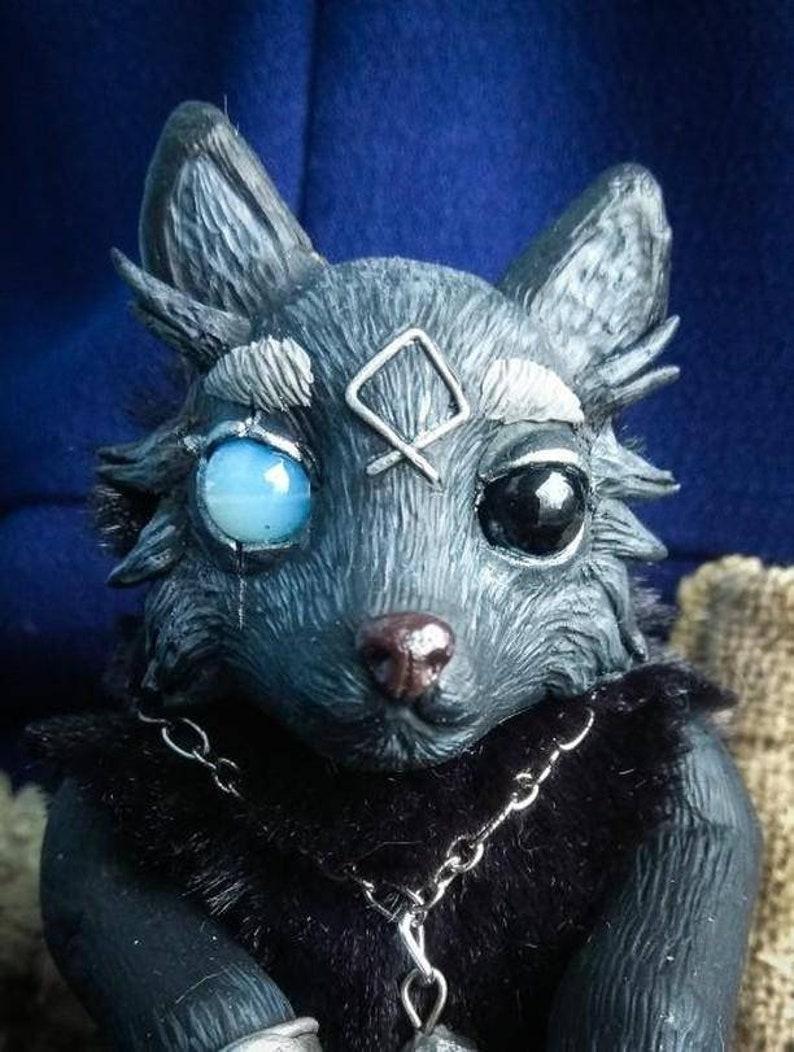 Odin/'s wolf altar totem