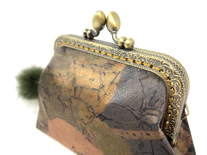 Handmade Green Brown Oriental Japanese Lotus Flower Floral Botanic Printed Kiss Lock Clasp Change Coin Purse Pouch