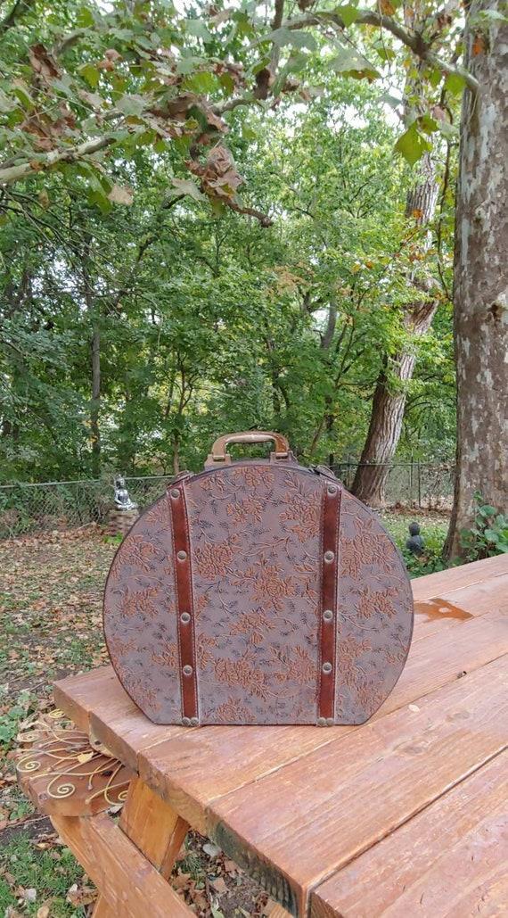 Vtg MCD Retro Suitcase