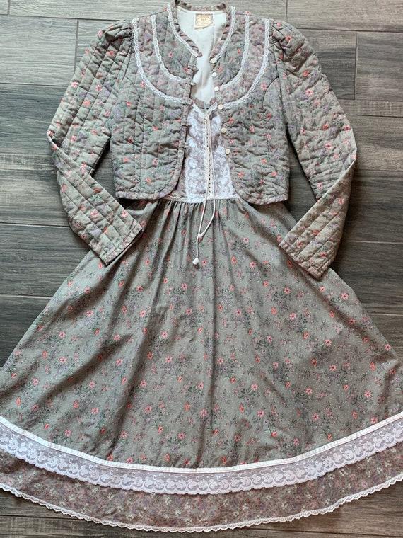 Gunne Sax  Small Vintage 2 piece Sun Dress and Qui