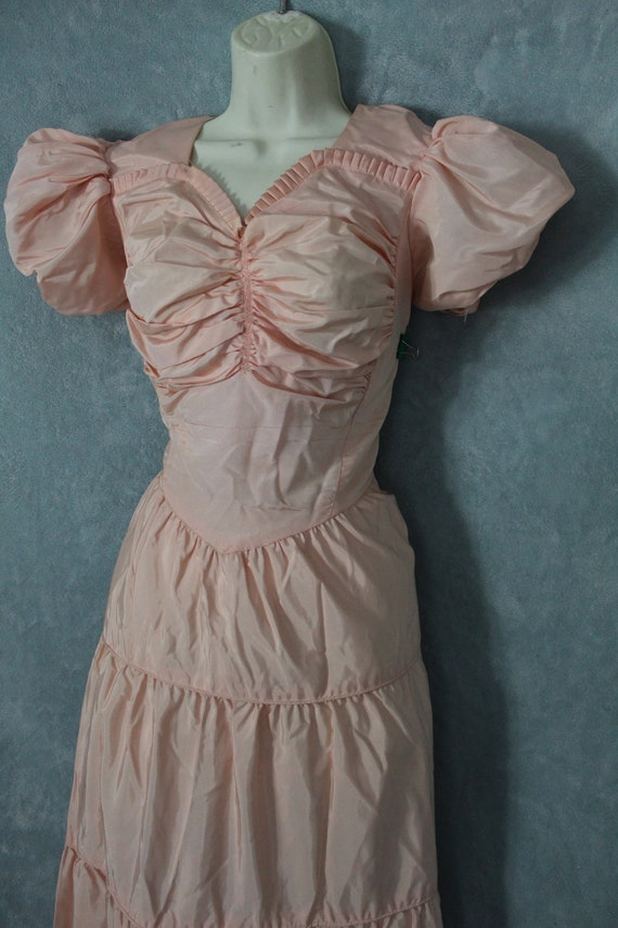 1940's pink ball gown - image 3