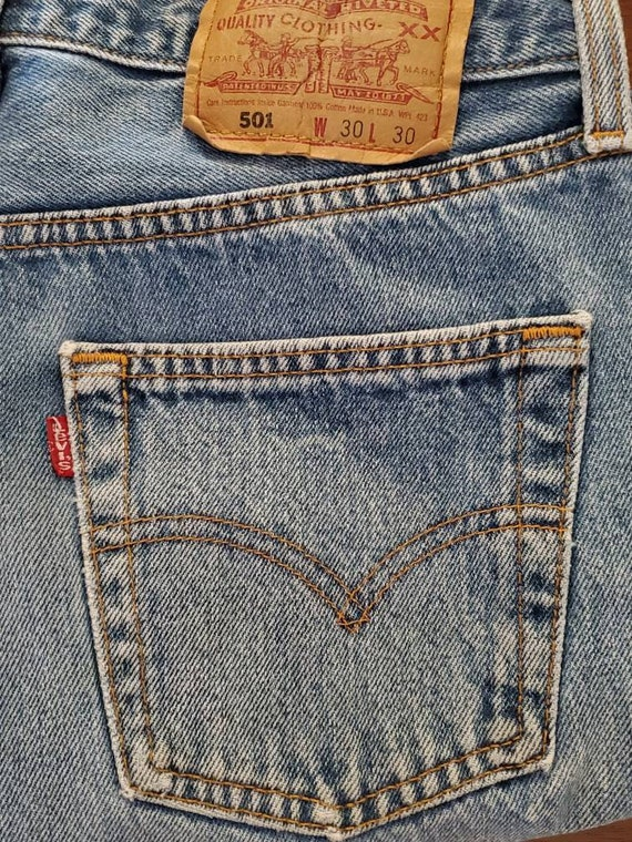 Vintage Levi's 501 Faded and Distressed Button Fl… - image 7