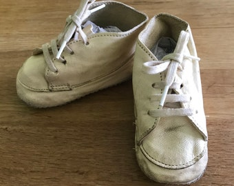 fffbabc5a655c Original-années 1910-Vintage-bébé Chaussures-A Peel-bottes-Bootees-première  chaussure-crèche chaussure-cuir-vêtements pour enfants