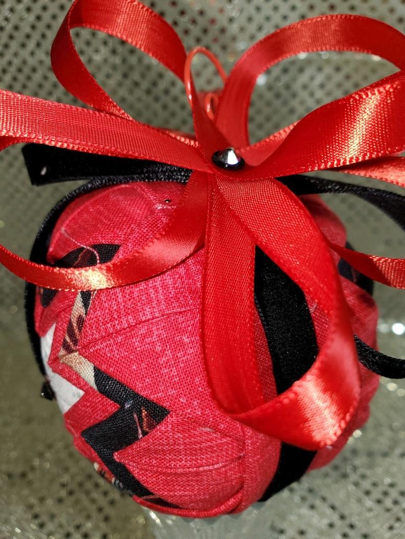Striking Christmas Inspired Ornament