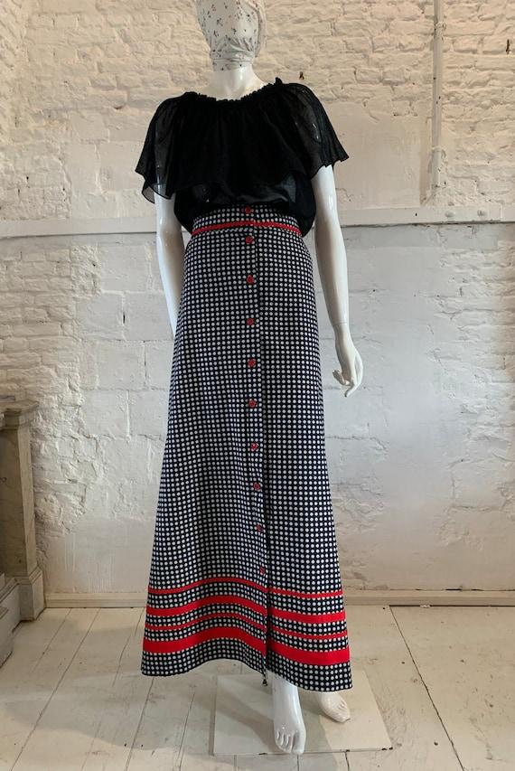 Vintage 1970s floral cotton prairie maxi skirt....
