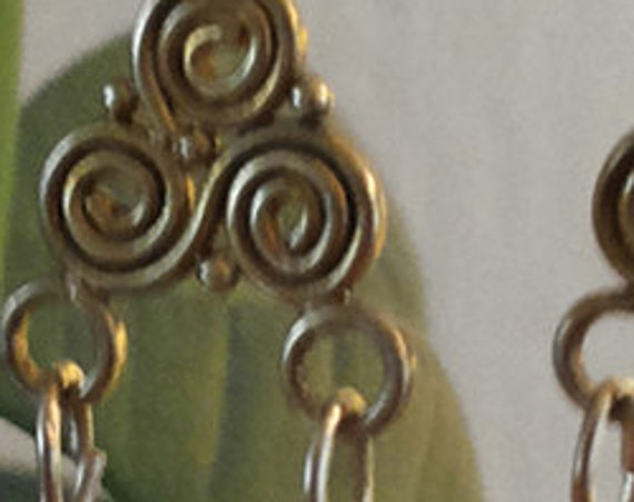Earrings with pearls and gold