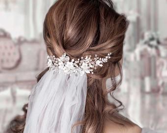 Wedding veil comb Pearl hair comb Hair vine Wedding veil and headpiece Bridal hair piece Bridal headpiece Wedding Back Headpiece Flower