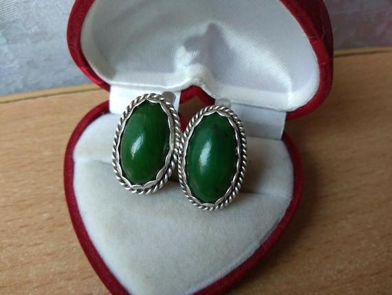 VINTAGE EARRINGS Elegant Antique Retro Green stone