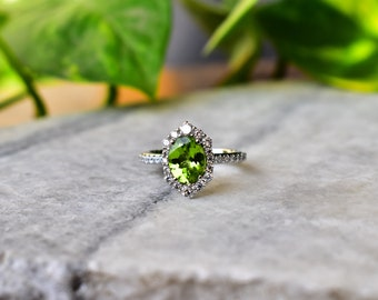 Details about  /Oval Green Peridot and Round White CZ Halo Bridal Ring 14k White Gold Over