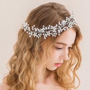Skull hair accessory UK handmade wedding comb bride goth gothic wedding headdress hair piece headpiece black flower Bridal hair vine