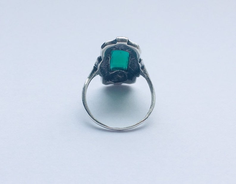 Art deco Silver Green Agate Vintage Ring  Unique Engagement Ring