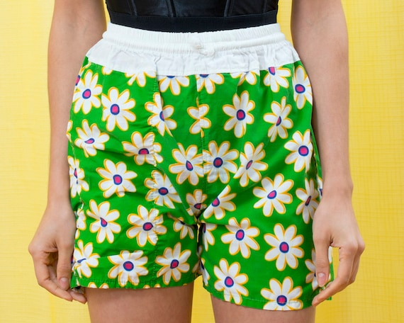 60s lime green daisy flower print shorts small 25