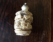 Antique Chinese Carved White Cinnabar Foo Dog Snuff Bottle