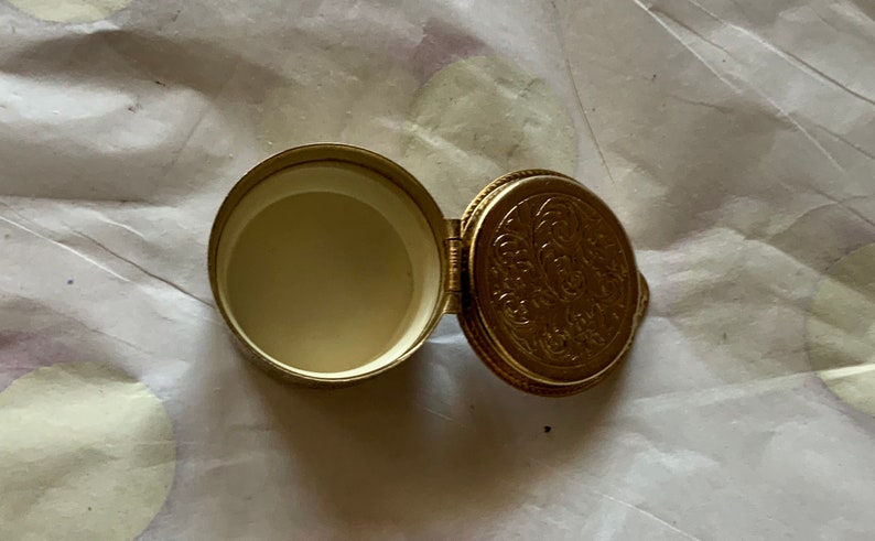 Vintage Micro Mosaic Daisy And Silver Pill Box Made In Italy 1  14\u201d diameter