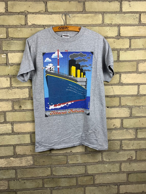 Vintage 90s Cows PEI Titanic Movie T-Shirt