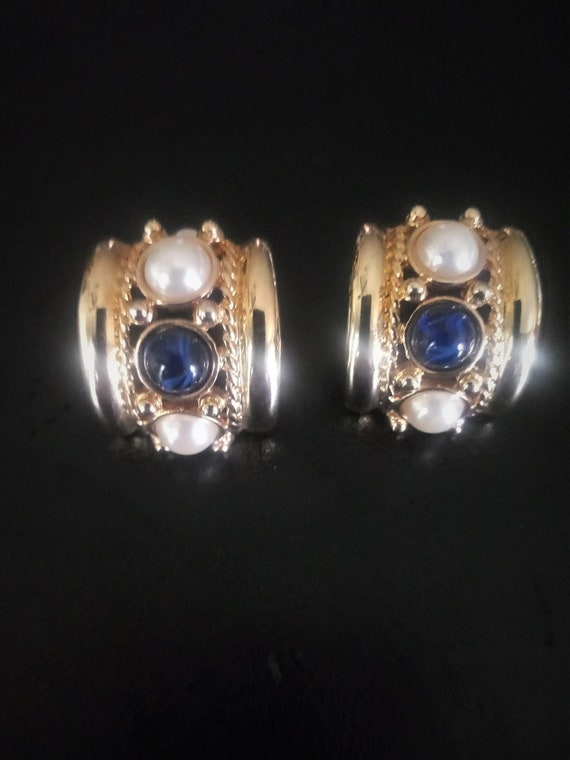 Vintage Joan Rivers Faux PEARL and SAPPHIRE Glass