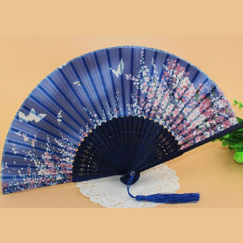 Hand Crafted Chinese Japanese Hand Folding Fan Bamboo Wood Silk Retro Style 21Cm
