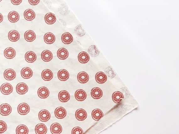 Gift wrapping paper (2 sheets) | Donut