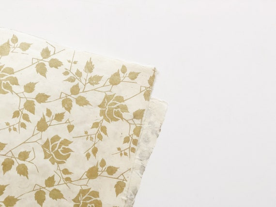 Gift wrapping paper (2 sheets) | Elegant Gold Roses