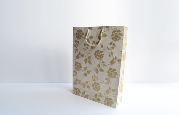 Gift bag set of 4 | Elegant gold roses on beige
