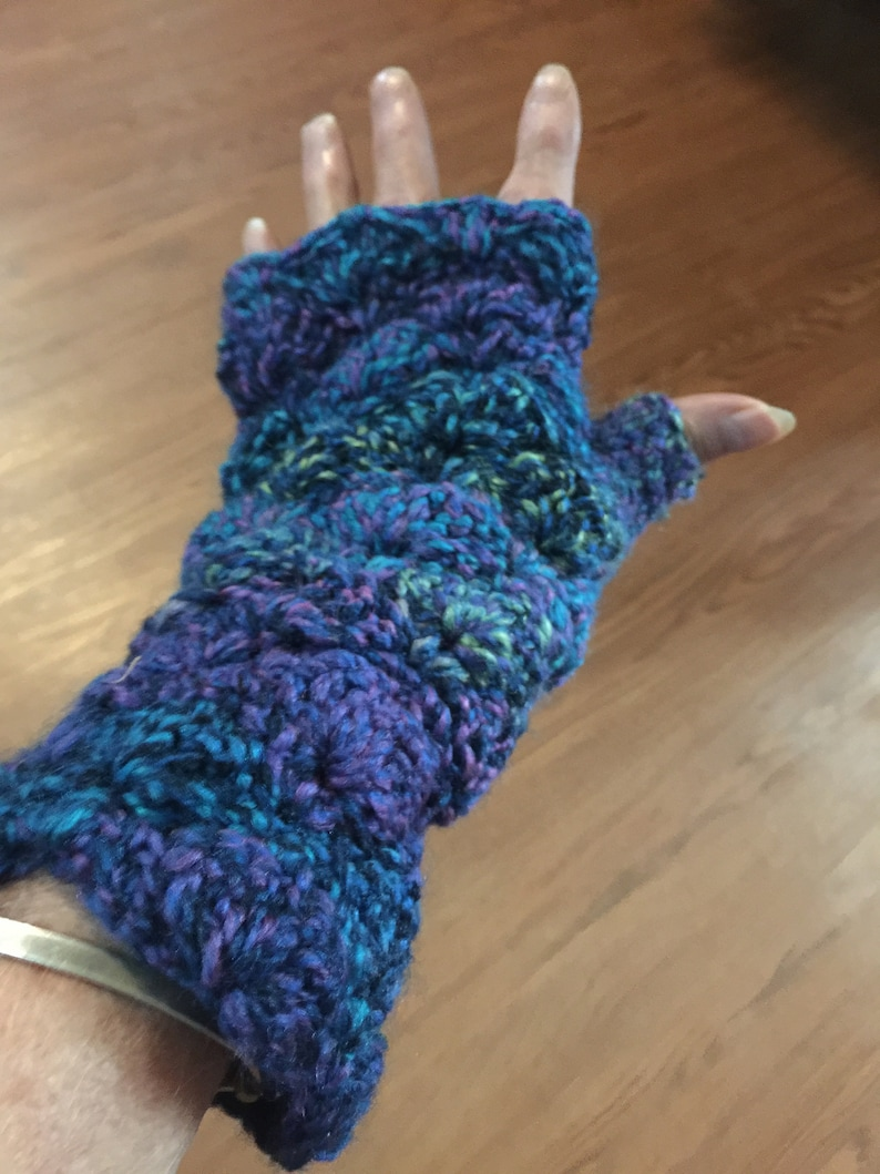 Seashell Fingerless Gloves Handcrafted Crochet winter warmth image 0