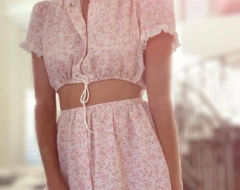 Ditsy - Floral - Prairie - reworked vintage Set - cropped blouse + skirt pink