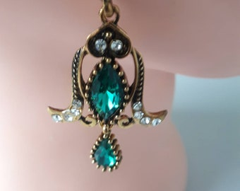 100 x 4.3mm SS18 SEW ON EMERALD Green Glass Crystal DIAMANTE Rhinestones Dress